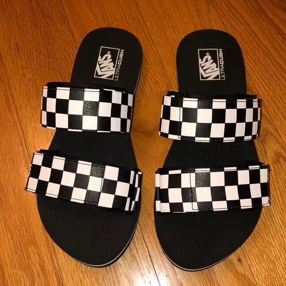d75b1db9f Vans ultracush checkered slides. M 5bb99a0aaaa5b855c9b57f84